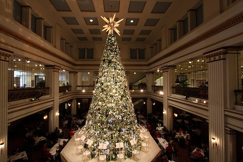Macys-on-State-Great-Tree